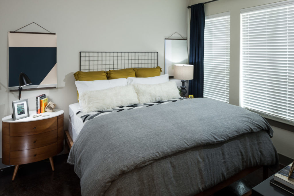 Plano Luxury Apartments with Modern Style & Simplicity ...